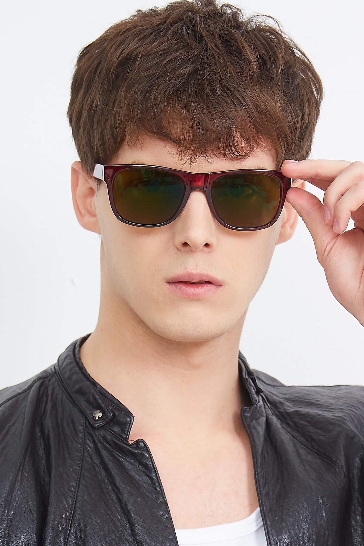 Men's lifestyle photography (portrait-1) of SSR213 in Wine with Brown Tinted Lenses
