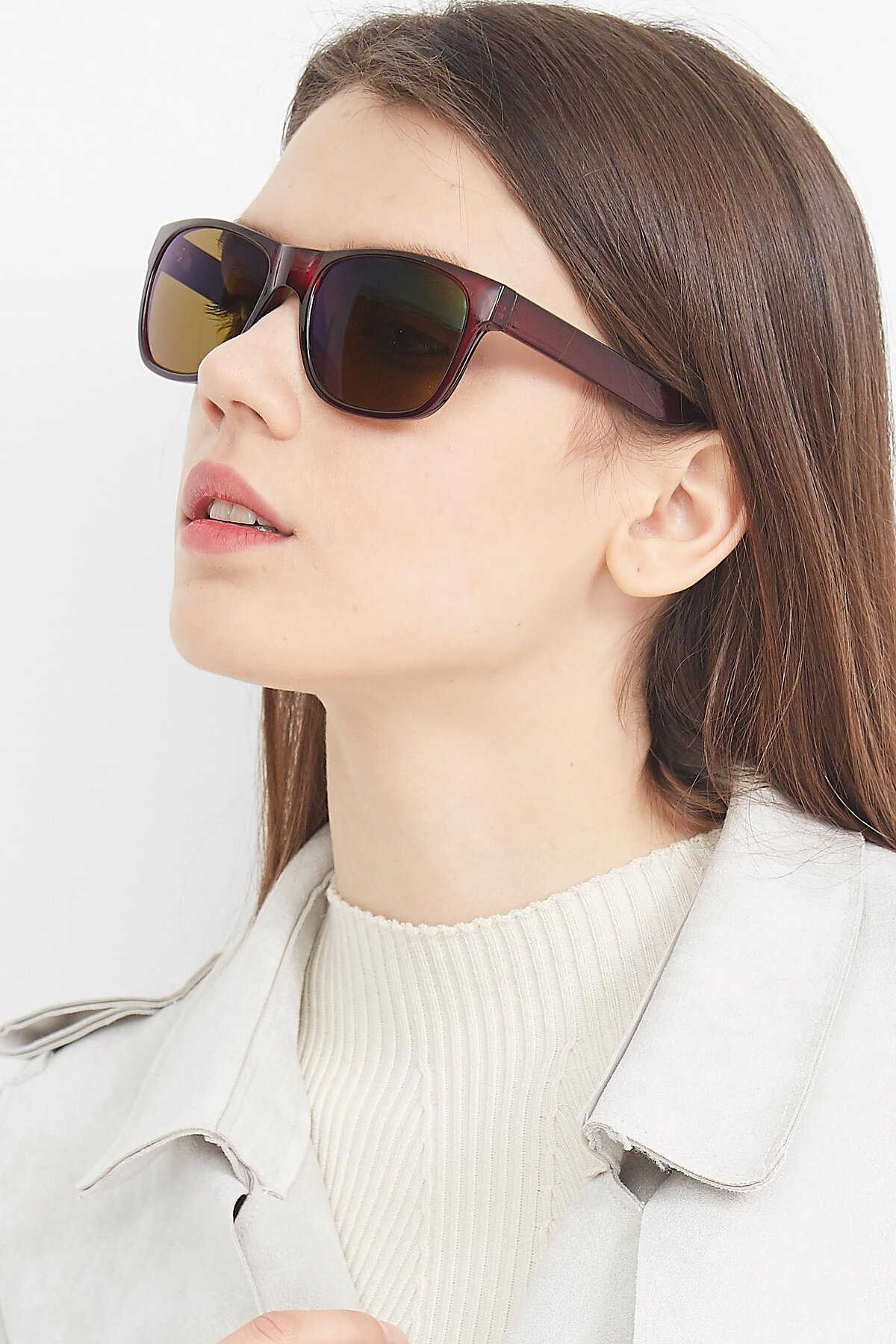 Women's lifestyle photography (portrait-2) of SSR213 in Wine with Brown Tinted Lenses