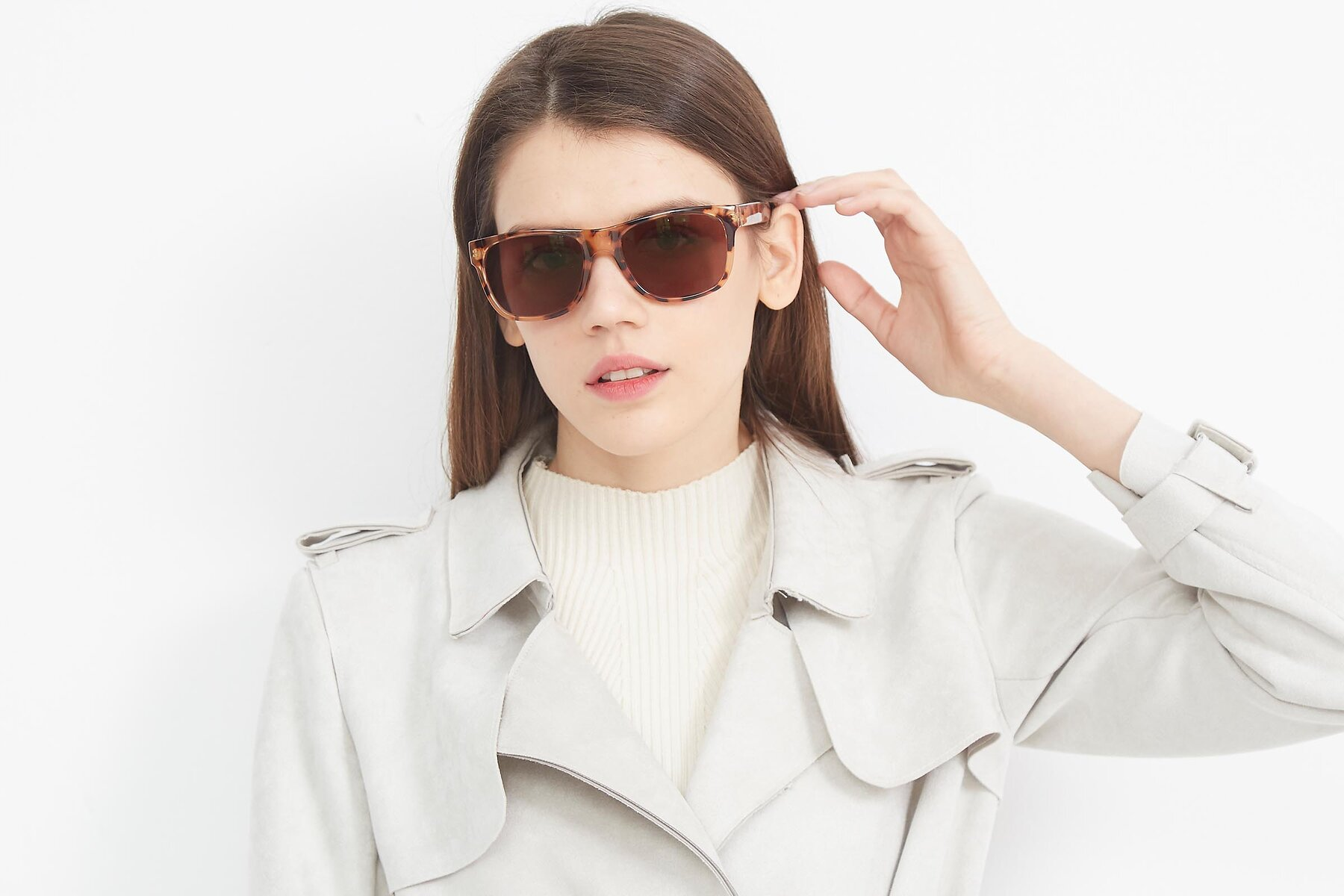 Women's lifestyle photography (landscape-1) of SSR213 in Translucent Tortoise with Brown Tinted Lenses