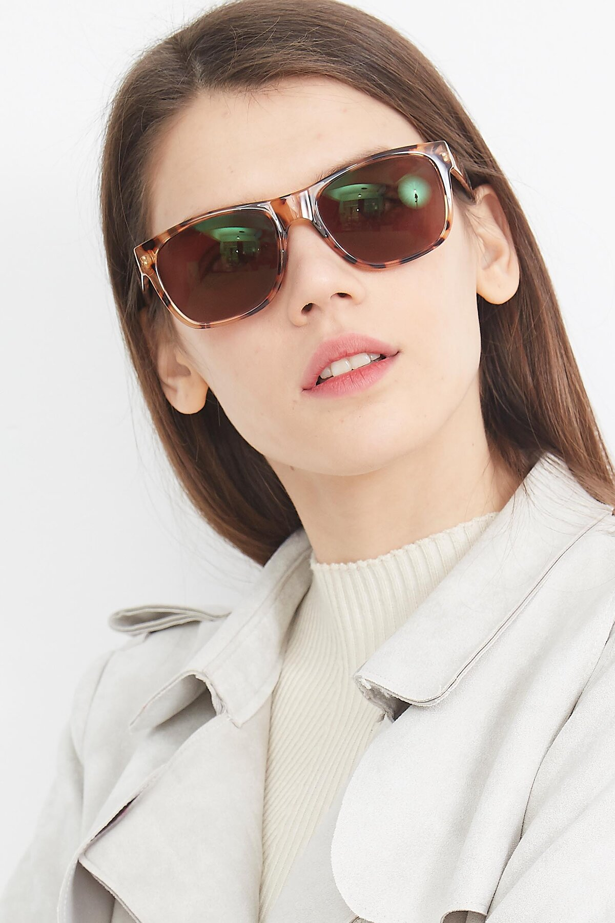 Women's lifestyle photography (portrait-1) of SSR213 in Translucent Tortoise with Brown Tinted Lenses