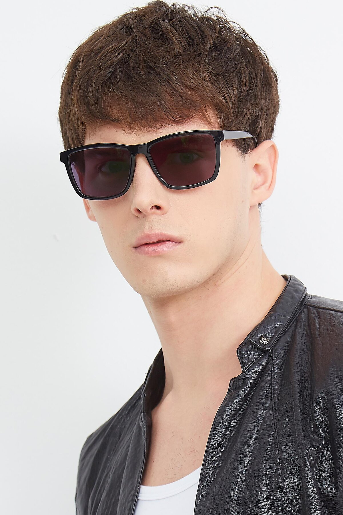 Men's lifestyle photography (portrait-2) of Sheldon in Black with Gray Tinted Lenses