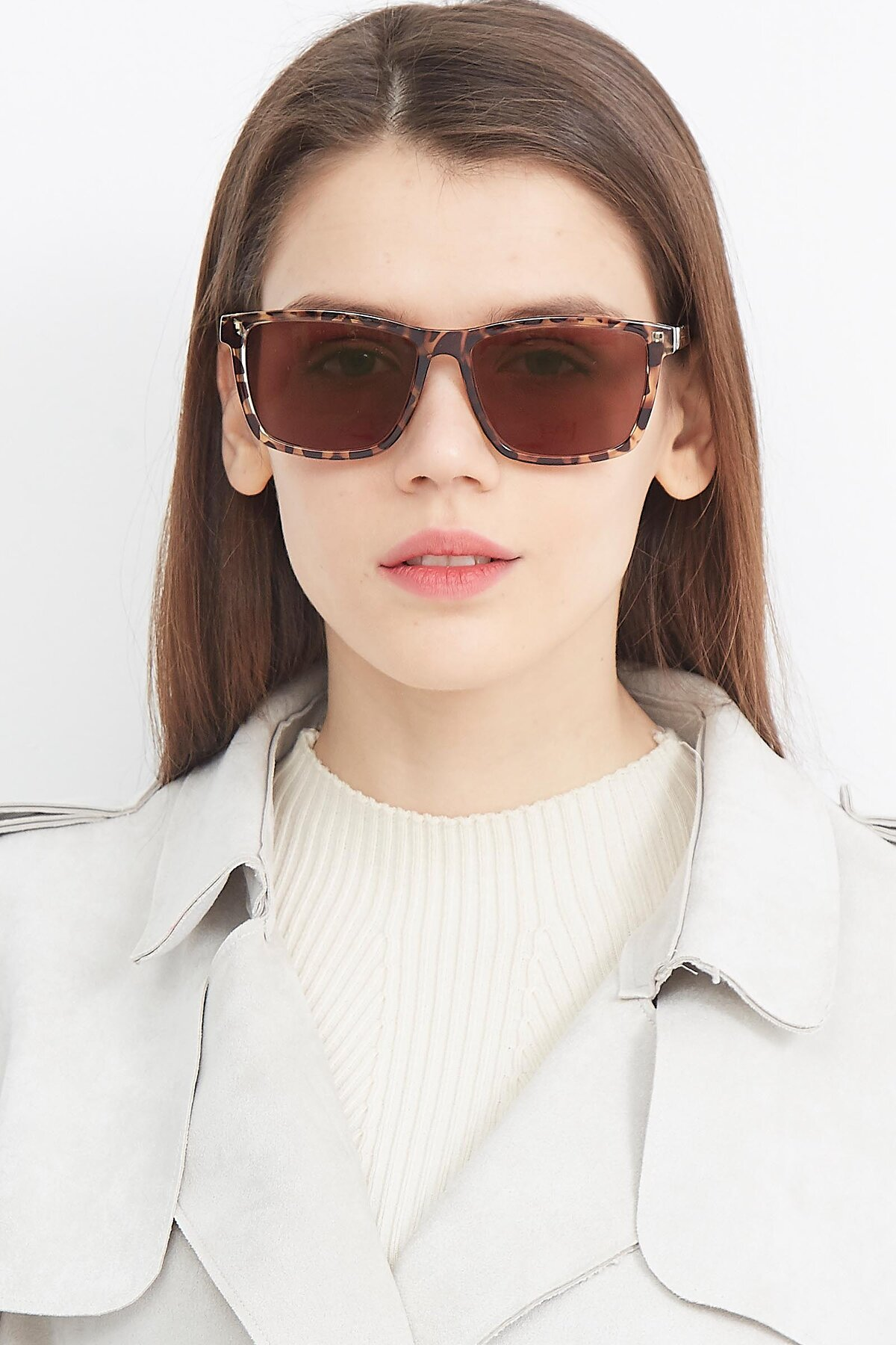 Women's lifestyle photography (portrait-1) of Sheldon in Tortoise with Brown Tinted Lenses