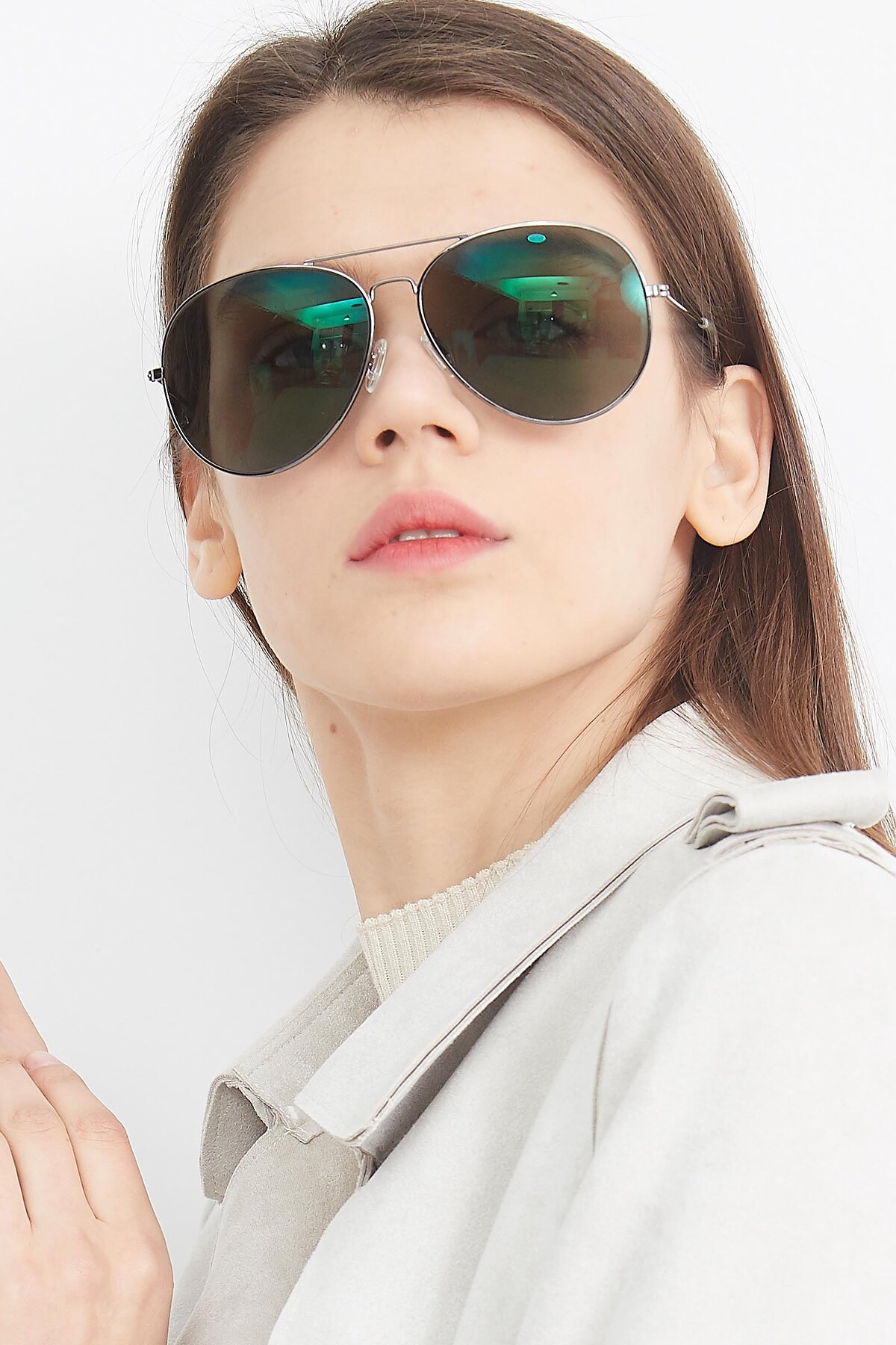 Women's lifestyle photography (portrait-1) of SSR179 in Gunmetal with Green Tinted Lenses