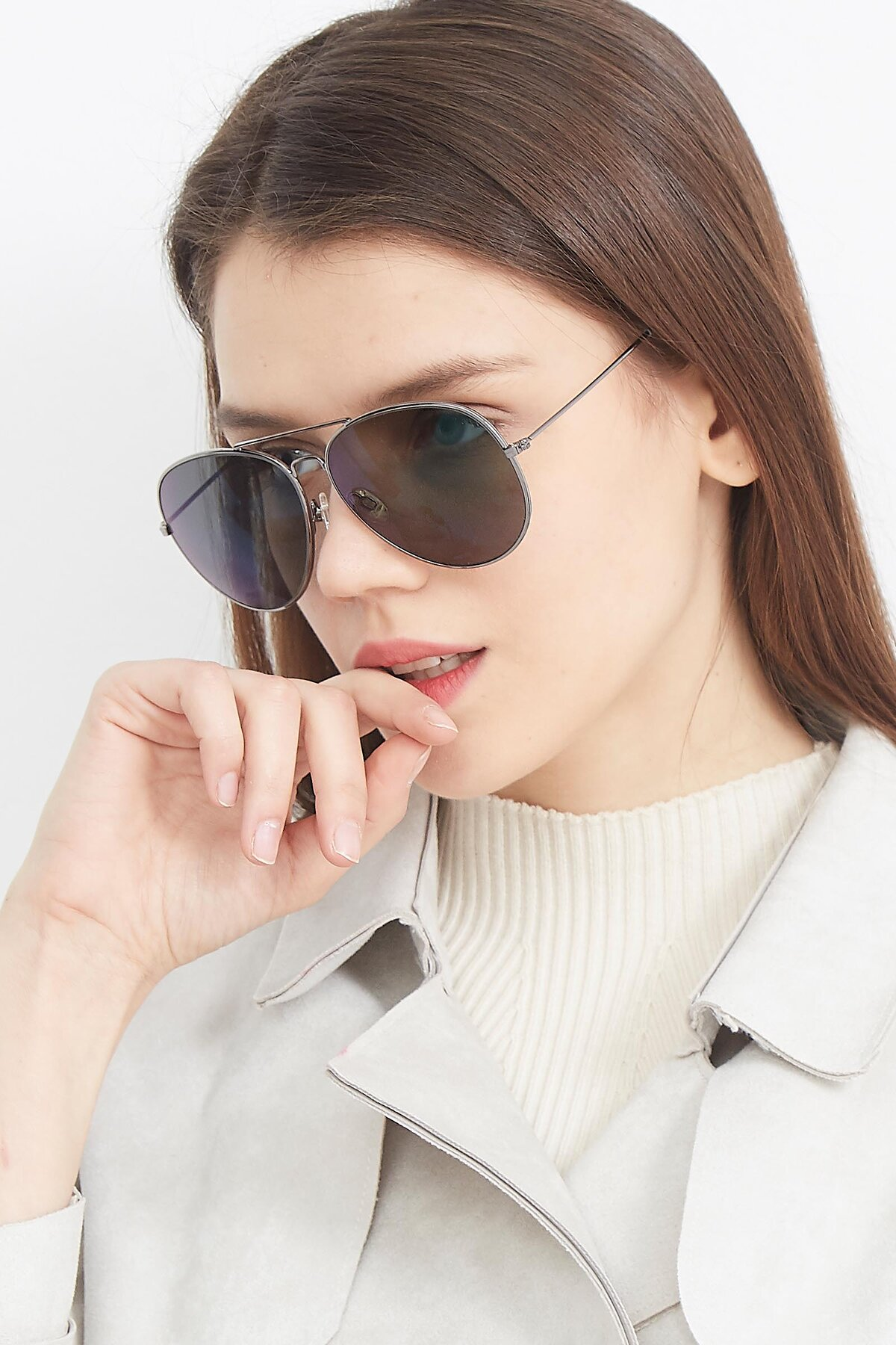 Women's lifestyle photography (portrait-2) of SSR179 in Gunmetal with Green Tinted Lenses