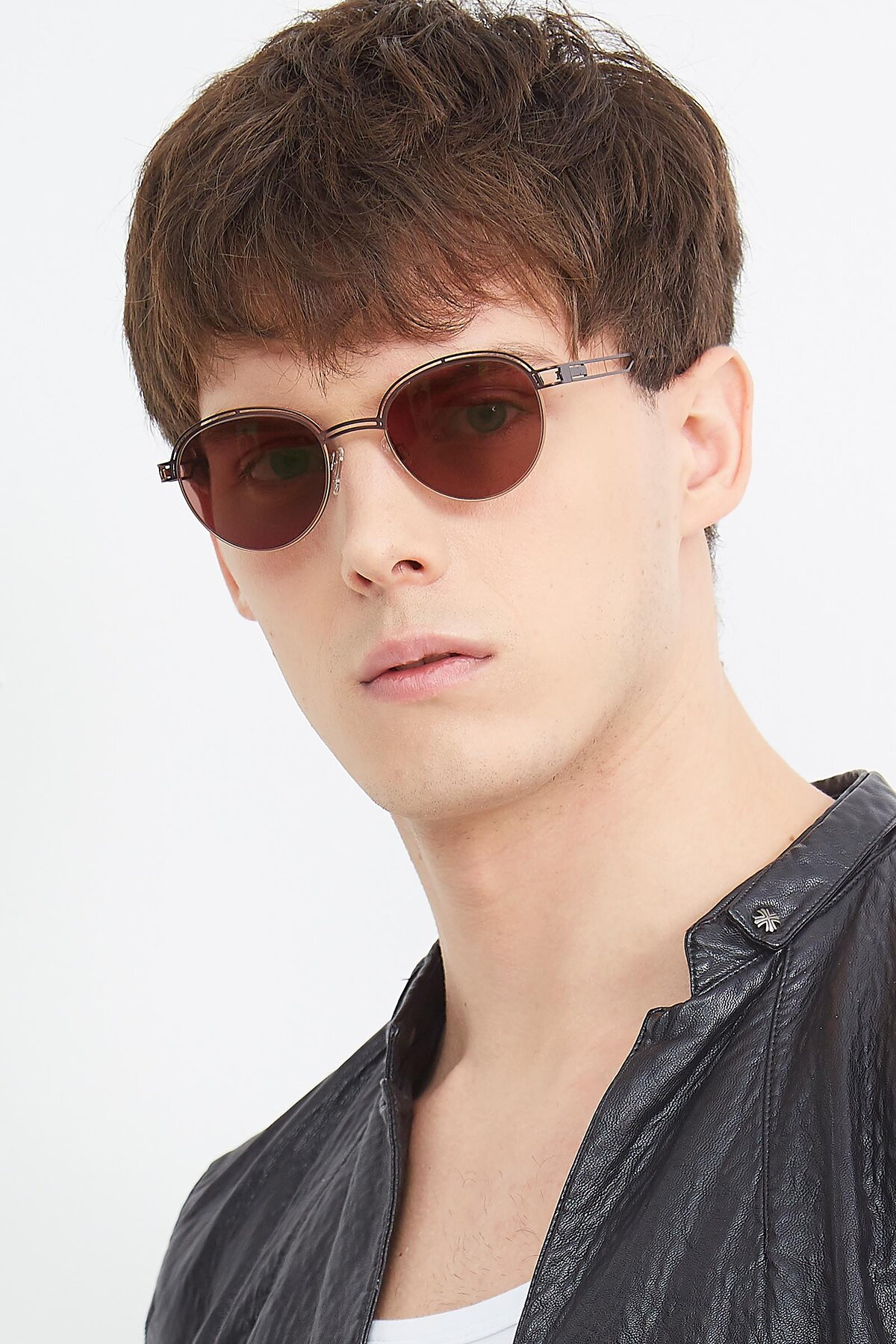 Men's lifestyle photography (portrait-2) of Marvel in Coffee-Gold with Brown Tinted Lenses
