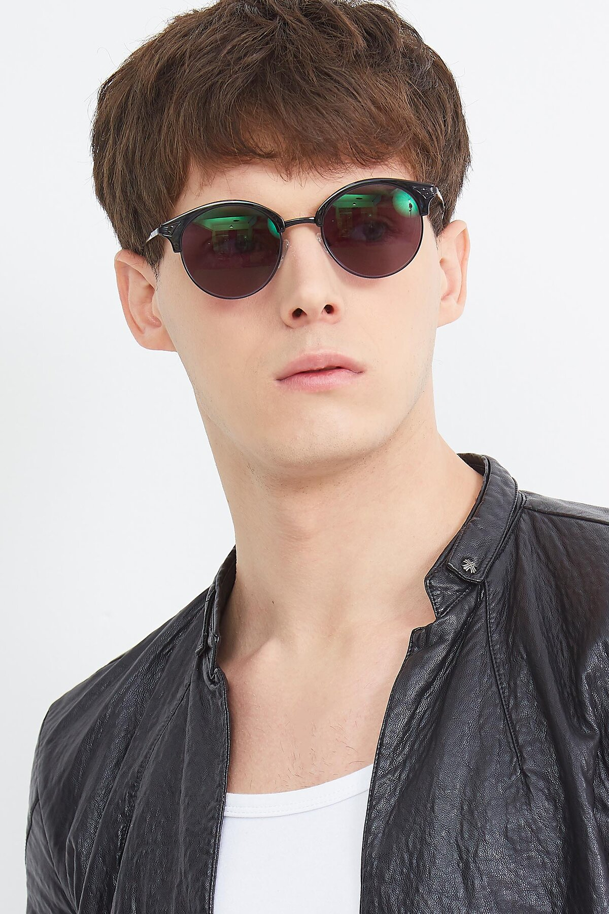 Men's lifestyle photography (portrait-2) of Hermione in Black with Gray Tinted Lenses